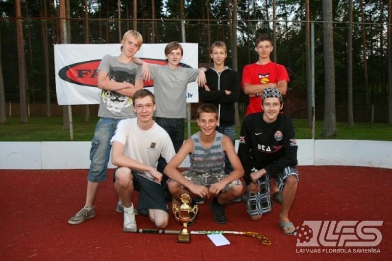 """Valmieras vasaras līgā florbolā triumfē """"Togosport.com"""""""