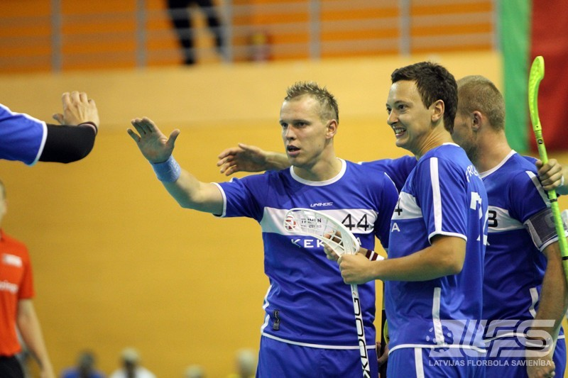 """FOTO: """"Latvijas Open 2012"""" aizrit finālspēles"""
