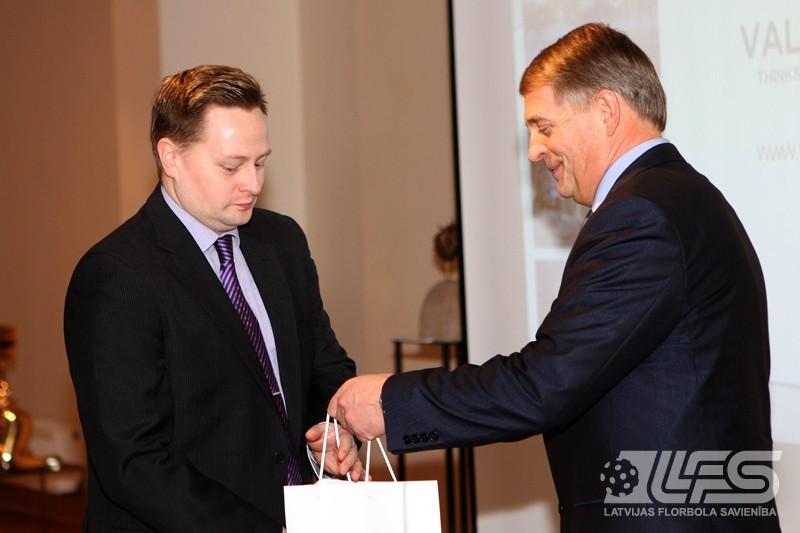 Kvalifikācijas turnīra dalībniekus pieņem Valmieras pilsētas mērs