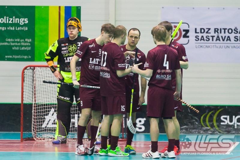 Mūsu florbolisti vēlreiz piekāpjas Somijas junioriem