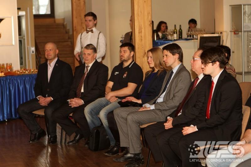 Kvalifikācijas turnīra dalībnieki pieņemšanā pie Valmieras mēra