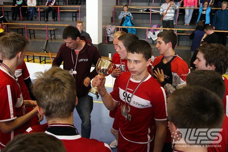 U16 bronzas liktenis tiek izšķirts papildlaikā. Uzvar Talsi