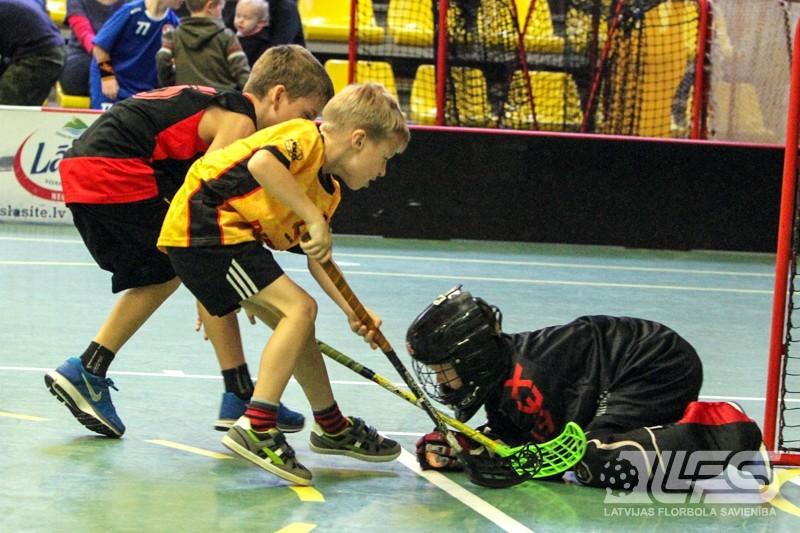 Astoņgadīgie florbolisti aizvadījuši spēles Ķekavā