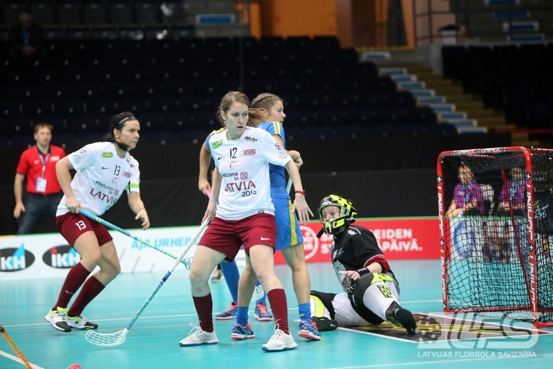 Sieviešu izlasei uzvaras vērts zaudējums pret zviedrietēm