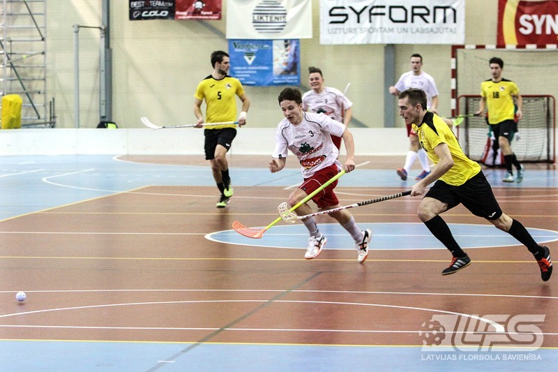 """FK """"JeNo"""" uzvar pēcspēles metienos un iekļūst 1. līgas finālā"""