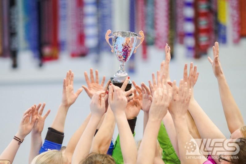 """Sieviešu 1. līgas bronzu izcīna FK """"Sala"""""""