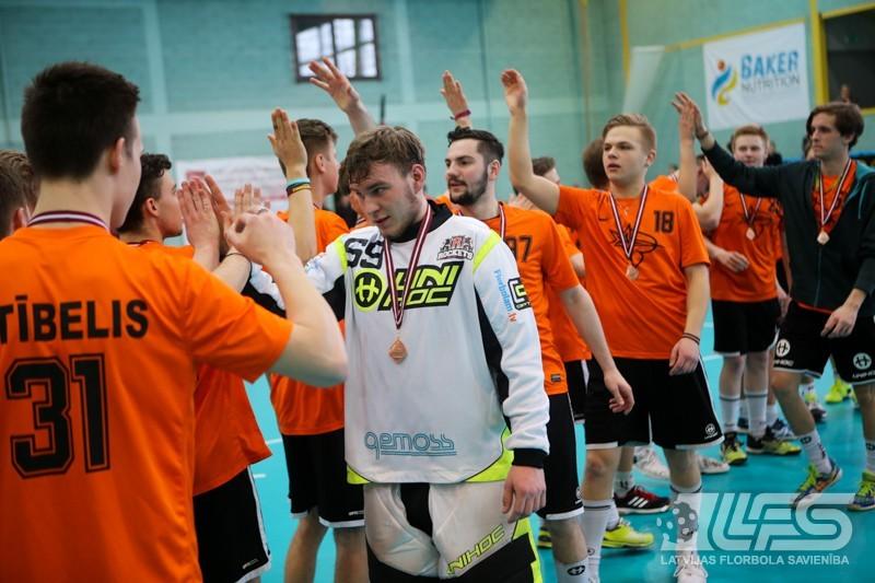 """Baušķenieki pamostas par vēlu - bronza tiek Rīgas """"Rockets U19"""""""