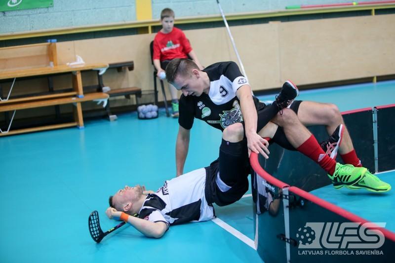 """Junioru līgas finālā """"Talsu NSS/Irlava"""" pieveic """"Ķekavas Bulldogs"""""""
