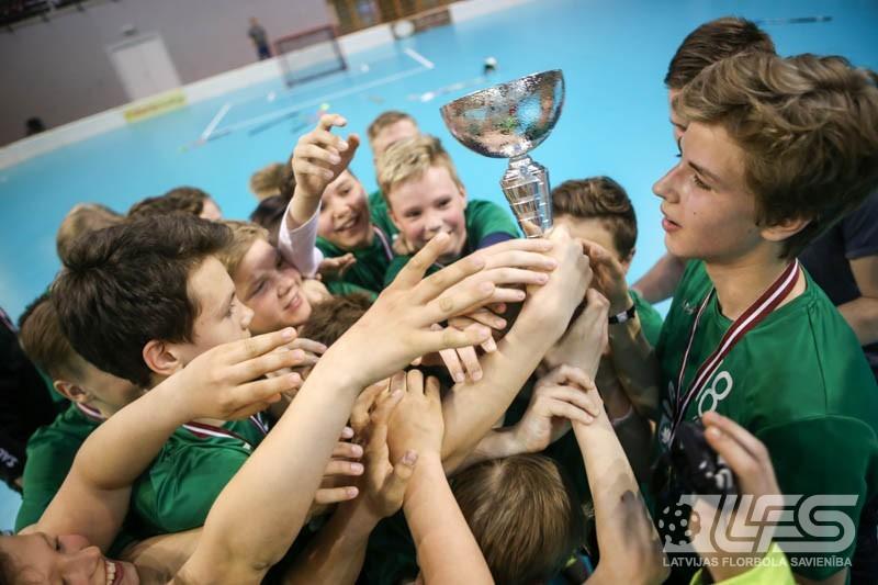 """Vecuma grupas U13 2. divīzijā triumfē FBK """"Ādaži"""""""
