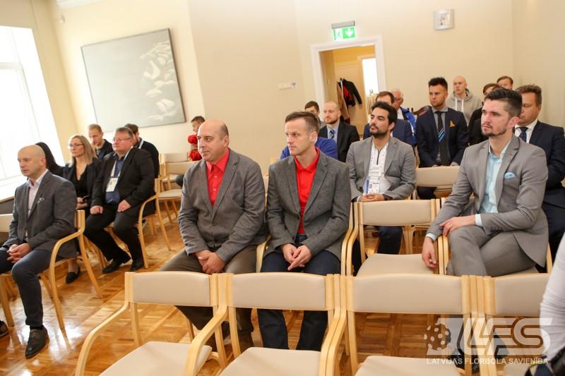 """Valmieras pilsētas mērs pieņem """"EuroFloorball Cup"""" dalībniekus"""