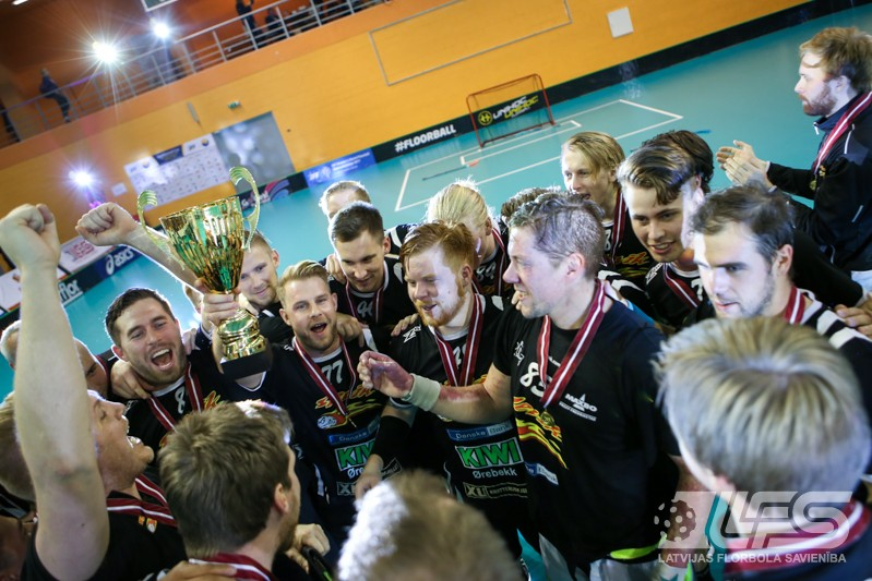 """""""Valmiera"""" nenotur pārsvaru un """"EuroFlorball Cup"""" ierindojas 2. vietā"""