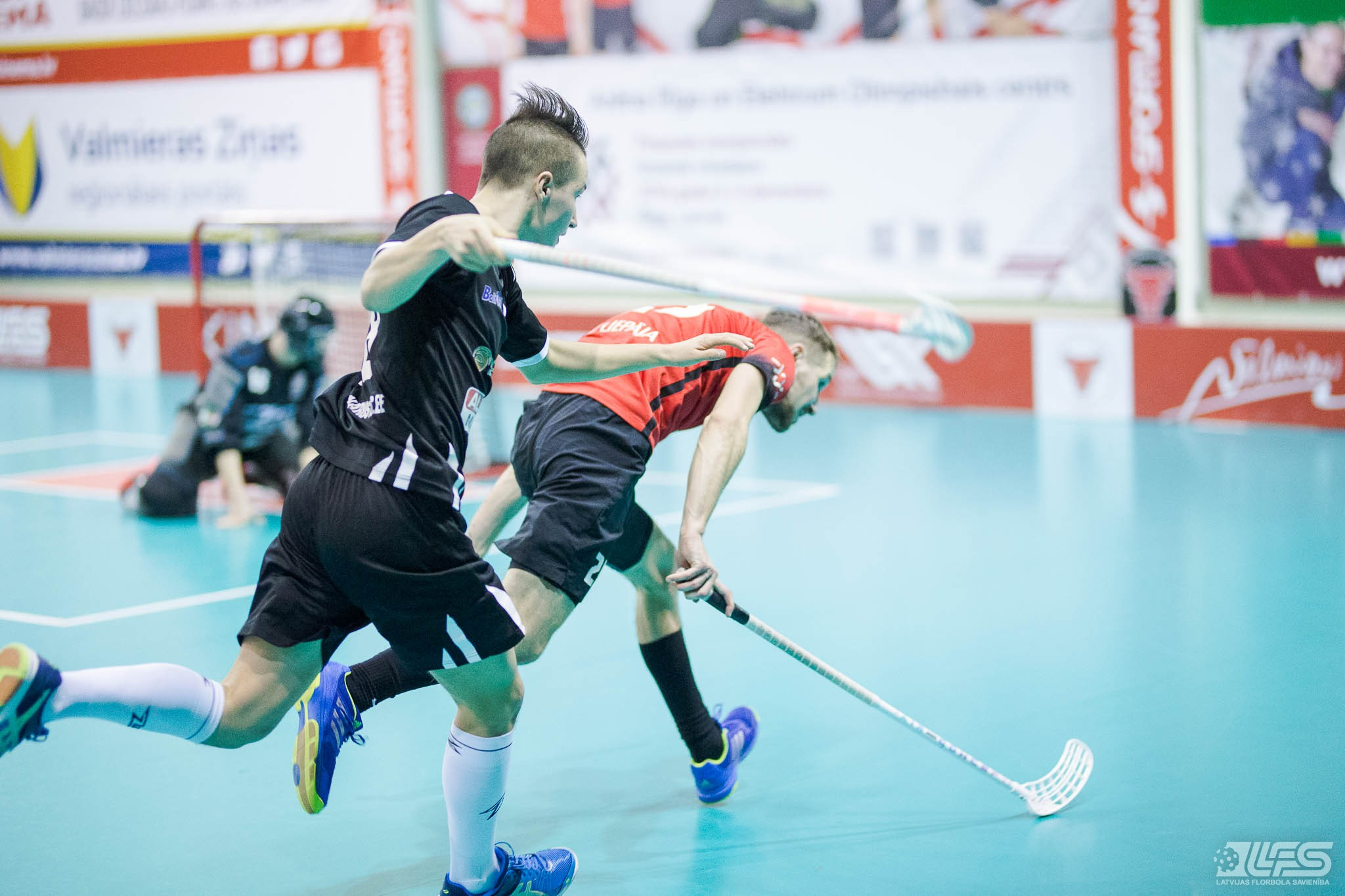 """""""EMU SK"""" uzvar liepājniekus, Semjonovs atkal rezultatīvākais"""