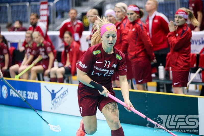 Latvijas izlase pārliecinoši pieveic dānietes un kvalificējas ceturtdaļfinālam