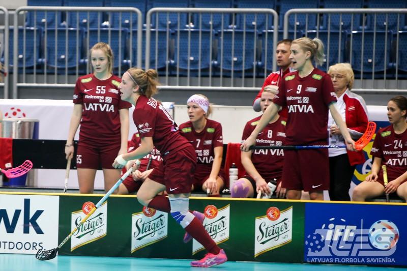 Latvija sakauj Poliju un ielaužas pasaules labāko sešiniekā