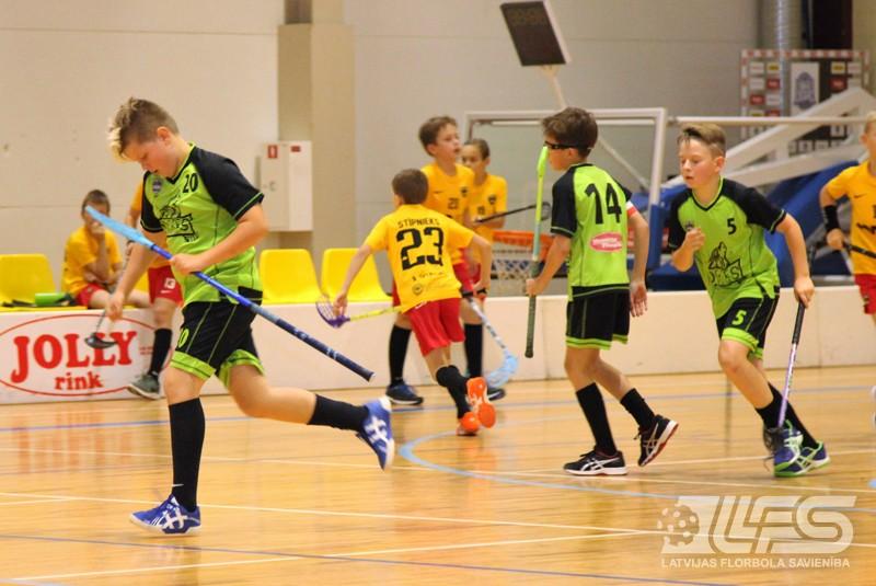 Ogrē sacenšas vecuma grupas U11 puišu komandas