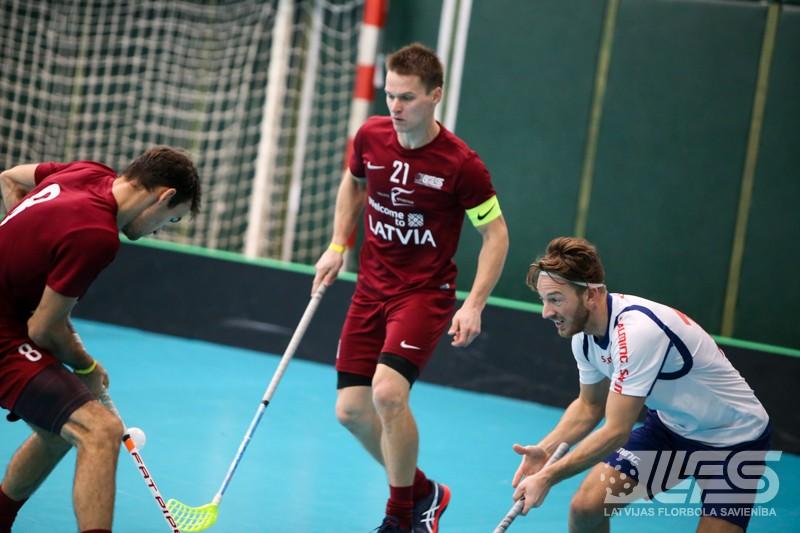 Mūsu florbolisti turnīru Slovākijā noslēdz ar uzvaru pār norvēģiem
