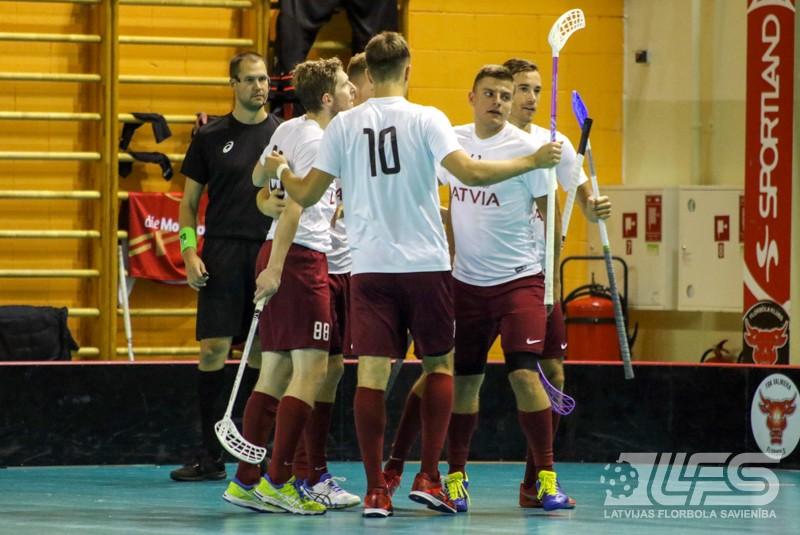 """Latvijas izlase pieveic igauņus, """"hat-trick"""" Kovaļevskim"""