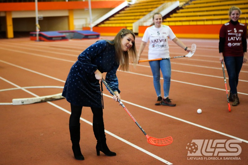 """Latvijas sieviešu izlases ģenerālsponsors - """"OPTIBET sporta bārs"""""""
