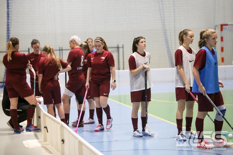 Latvijas izlase ieradusies Novi Targā un aizvada treniņu
