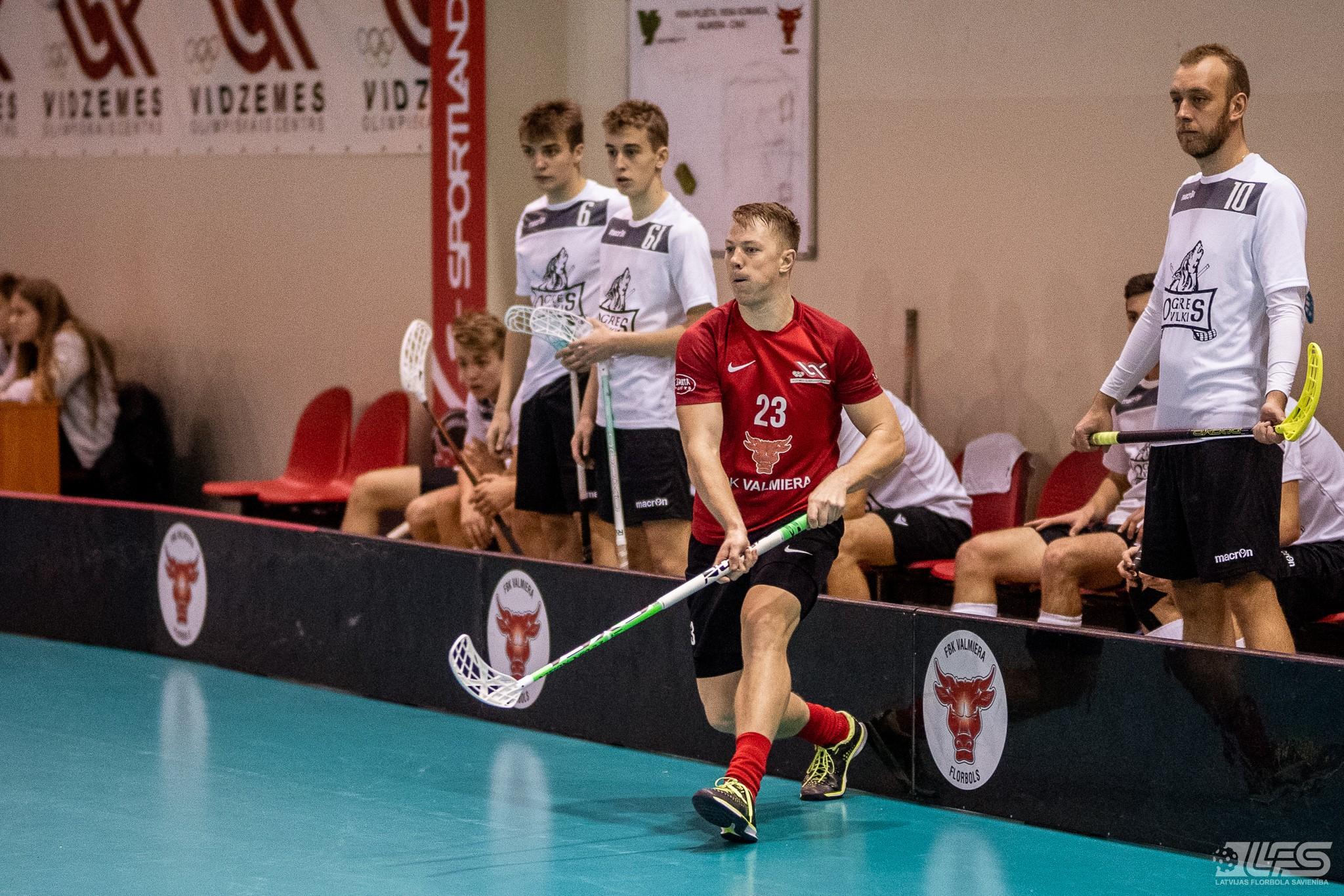 """""""Valmiera"""" pieveic """"Ogres Vilkus"""" un atgūst pirmo vietu"""